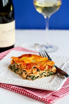 Healthy Chicken & Spinach Lasagna from @Melissa Spivak.Miller' Canuck   Dara Michalski