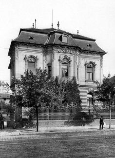 Old Pictures, Old Photos, Vintage Photos, Vintage Architecture, Most Beautiful Cities, Budapest Hungary, Vintage Photography, Historical Photos, Austria