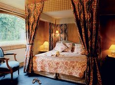 Afloat in France: a lavishly decorated room on an all inclusive luxury barge with Le Boat #bucketlist