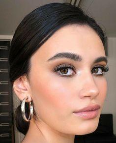 Lila Eyeliner, Smokey Eyeshadow, Smokey Eye Makeup, Eyeshadow Makeup, Highlighter Makeup, Drugstore Makeup, Eyeshadow Ideas, Glitter Makeup, Dior Makeup