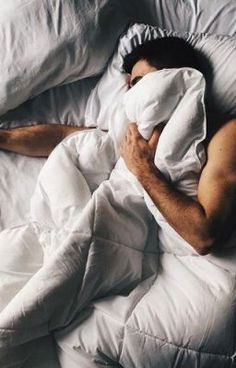 ideas for photography men body beds - Aesthetic Photography Man Photography, Amazing Photography, Female Photography, Photography Backdrops, Wedding Photography, Men's Bedding, Men In Bed, Men Photoshoot, Photoshoot Vintage