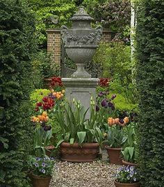 Organic gardening is the exact same as regular gardening except that no synthetic fertilizers or pesticides are used. Organic gardening also r Garden Urns, Garden Planters, Garden Paths, Outdoor Landscaping, Outdoor Gardens, Outdoor Decor, Simple Garden Designs, English Garden Design, Vases