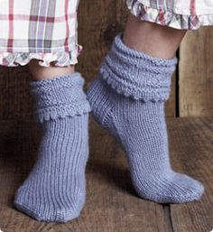 Z Cuff Socks // Free knitting patters after free registration.  You do not have to be a subscriber to register.
