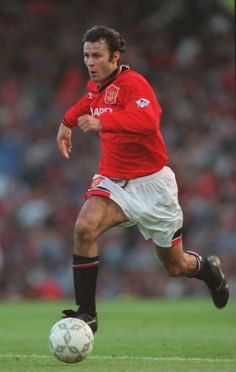 On this day: Ryan Giggs makes history - Official @manutd website