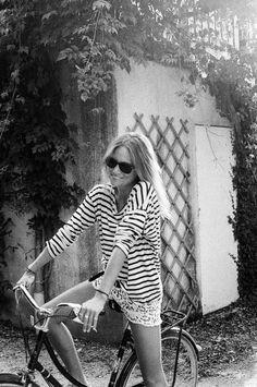 Gafas de sol Rayban Wayfarer - Rayban Wayfarer sunglasses - Bicycle - Ride a bike - Street style - Shades - Sunglasses