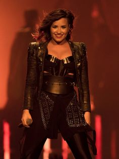Meet Demi, the Warrior Princess. | 14 Ways Demi Lovato Served LOOKS In 2014