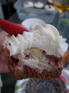 Strawberry Cheesecake Cupcakes by Tortillas and Honey
