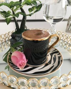 Coffee Latte Art, Espresso Coffee, My Coffee, Coffee Cups, Tea Cups, Coffee Break, Good Morning Coffee, Coffee Illustration, Turkish Coffee