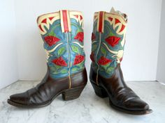 1950s Buck Steiner Cowgirl Snip Toe Shorties // Western Boots Roses and Longhorns