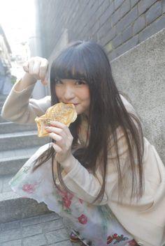 上田麗奈のこの色、いいな #4 神楽坂の小路を散歩&色探し