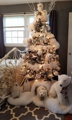 100 White Christmas Decor Ideas Which are Effortlessly Elegant & Luxurious - Hike n Dip Here are best White Christmas Decor ideas. From White Christmas Tree decor to Table top trees to Alternative trees to Christmas home decor in White & Silver Christmas Trees For Kids, Woodland Christmas, Christmas Tree Themes, Noel Christmas, Rustic Christmas, Xmas Decorations, Christmas Crafts, Polar Bear Christmas Decorations, Christmas 2019