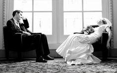 Hôn nhân hạnh phúc liệu có phải là lời nói dối kinh điển nhất đừng dại mà tin?   Câu nói trên nghe có vẻ nực cười nhưng không hoàn toàn sai tôi không cực đoan khi luôn tin rằng hôn nhân toàn một màu xám xịt nhưng nếu nói đó là bầu trời hạnh phúc chỉ có màu hồng cũng chưa đúng. Vậy thực sự hôn nhân là gì? Sự thật về hôn nhân có quá đen tối khiến người khác khiếp sợ đến vậy không?  Hôn nhân như truyện cổ tích mô típ tình yêu đẹp đẽ nhất sẽ diễn ra trình tự như sau  1. Gặp một người đặc biệt…