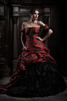 Tartanbride - Extravagante Brautmode ganz anders: Das karierte Brautkleid