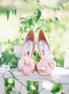 Wedding Day Shoes | The Great Romance Photography | #Shoes #Wedding