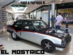 #ElMostrico tambien dijo presente en el estreno de #fastandfurious8 en @tusambilvln  La familia @abrilspeed @abrilspeedthestore & @kingsperformancerace reunida compartiendo una misma pasion..! #velocidad  #autos #carreras #carros #velocity #racing  #drag #taller #familia #valencia #venezuela #chevette http://unirazzi.com/ipost/1493904907395651718/?code=BS7apklh9iG