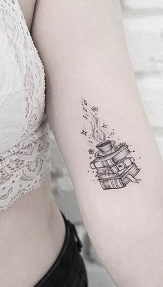 23 Fantastic Tattoo Ideas for Book Lovers - Tatoo - tattoos Small Tattoo Placement, Cool Small Tattoos, Great Tattoos, Beautiful Tattoos, Body Art Tattoos, New Tattoos, Awesome Tattoos, Creative Tattoos, Tatoos