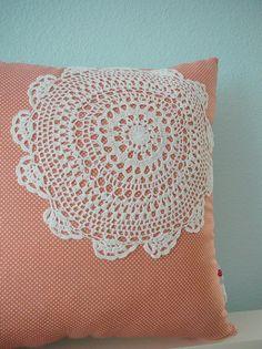 Aplicação para almofada em crochê