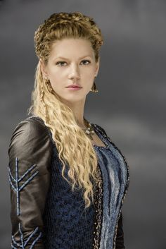 ... Katheryn Winnick adds all kinds of flair and variations to the braids that makes her look like she is Viking royalty. Description from strayhair.com. I searched for this on bing.com/images