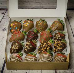 Идея подарка на день рождения Gingerbread Cookies, Cake, Desserts, Food, Gingerbread Cupcakes, Tailgate Desserts, Pie, Kuchen, Dessert