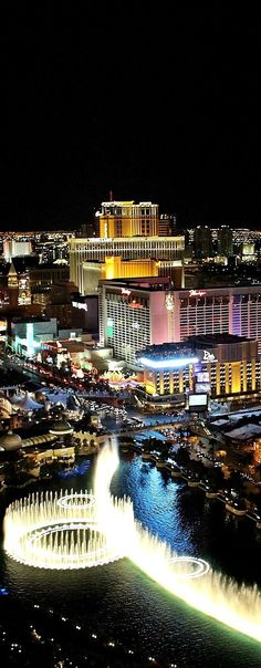 These are the places to visit in Las Vegas in 3 days. Decide easily now where to go in 3 days in Las Vegas. Vegas Style, Vacation Planner, Las Vegas Trip, Where To Go, Travel Usa, Travel Guides, Marina Bay Sands, Things To Do, Beautiful Places