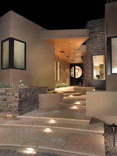 Southwest Contemporary, Contemporary Entry