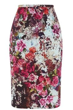Now magazine featured this beautiful blooming blossom print this season from Oasis. This chic pencil skirt can be worn on its own or wear with the matching cropped tee to join in with the co-ord trend. Triangle Body Shape, Printed Pencil Skirt, Cassie Skirt, Winter Skirt, Women's Fashion Dresses, Floral Fashion, Casual Elegance, Style Guides, Sexy