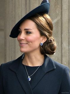 The Duchess of Cambridge has tanzanite earrings and a pendant from G. Collins & Sons.