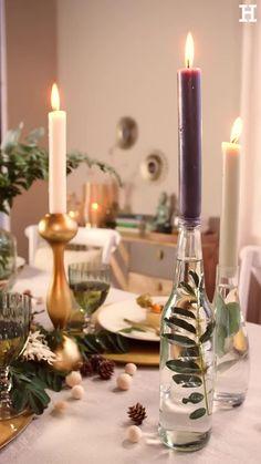 Süßer, äh Verzeihung grüner die Glocken nie klingen und während sich einige Weihnachtsmuffel noch vor dem Fest der Liebe sträuben, zeigen wir euch im dritten Teil aus unserer Serie festliche Tischdeko, mit welchen Tipps und Tricks man selbst mit jeder Menge natürlichen Elementen für einen großen weihnachtlichen Wow-Effekt an einer gedeckten Tafel sorgen kann. Christmas Crafts, Christmas Decorations, Table Decorations, Spanish Style Weddings, Fancy Shoes, Candels, Diy Recycle, Beautiful Christmas, Interior Design Living Room