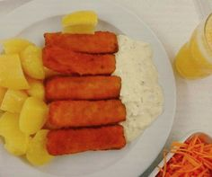 These crispy #fish sticks make our day 😋 Enjoy your #lunchtime! 🍽 #mahlzeitkrones