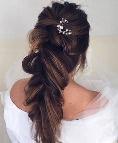 Ulyana Aster Long Bridal Hairstyles for Wedding_27 ❤ See More: http://www.deerpearlflowers.com/long-wedding-hairstyleswe-absolutely-adore/