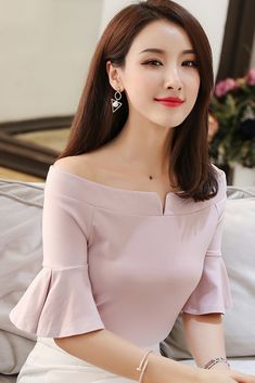 SOO · JIN offers the best in Korean clothing and fashion tops, blouses, shirts, . Sleeves Designs For Dresses, Dress Neck Designs, Blouse Designs, Kurta Neck Design, Korean Outfits, Korean Clothes, Blouse Styles, Ruffle Top, Blouses For Women