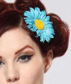 Big Daisy Hair Clip by Heartbreaker Fashion in Summer