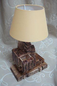 Lampada di libri in legno con cassetto! www.bottegamastrociliegia.it