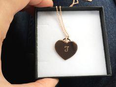Herzkette mit #Gravur #Gravurkette #Gravurschmuck #verschenken #Geschenkidee #Halskette #Schmuck #roségold #Liebe #Love #Herz