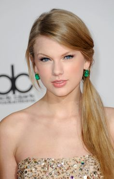 Taylor Swift Without Makeup | Taylor Swifts Makeup Look for the 2011 American Music Awards. | The ...