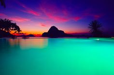 Who is ready for a trip??? This is the infinity pool at the Cadlao Resort in El Nido, Philippines!!!! Holy cow!!