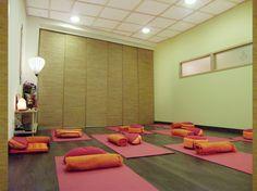 Centro Diwali / Diwali Center, Sala de yoga/ Yoga room - Barcelona, Spain (http://interiorenergeticdesign.com/centro-diwali-diwali-center/)