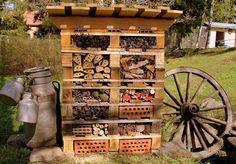 LUOMUS: Ötökkähotelli ja mehiläispesät