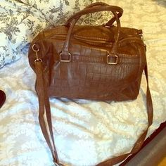I just discovered this while shopping on Poshmark: H&m bag. Check it out!  Size: OS