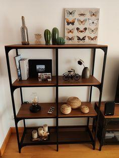 Ikea Industrial, Industrial Interiors, Fjällbo Ikea, Sala Ikea, Ikea Lounge, Reclaimed Wood Shelves, Pinterest Home, Ikea Home, Living Room Designs