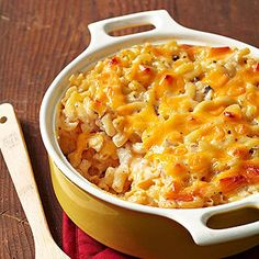 This war-weary decade called for comfort food, and what better pick-me-up than homemade mac and cheese? Blake -- winner of this prize-tested recipe -- uses canned cream of mushroom soup to make the bake extra creamy. Baked Mac And Cheese Recipe, Creamy Macaroni And Cheese, Macaroni Cheese Recipes, Mac And Cheese Homemade, Cheesy Recipes, Pasta Recipes, Cooking Recipes, Baked Macaroni, Mac And Cheese Recipe With Cream Of Mushroom Soup