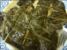 this is palusami - a Fijian dish made of taro leaves and coconut milk: Just laye. Tongan Food, Samoan Food, Indian Food Recipes, Vegan Recipes, Cooking Recipes, Fijian Recipes, Hawaiian Recipes, Chamorro Recipes, Chamorro Food