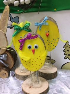 Easter chicks Easter chicks The post Easter chic Easter Projects, Easter Crafts For Kids, Easter Art, Easter Bunny, Easter Chick, Spring Crafts, Holiday Crafts, Easter Traditions, Happy Easter