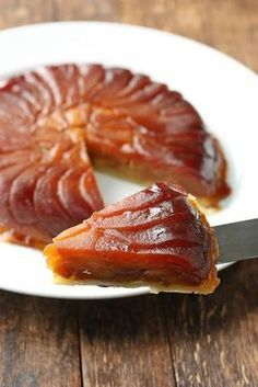 We're Obsessed With This Delicious Winter Dessert: French Tarte Tatin Apple Desserts, Fall Desserts, Baking Recipes, Snack Recipes, Dessert Recipes, Gourmet Cooking, Easy Smoothie Recipes, Sweet Recipes, Food And Drink