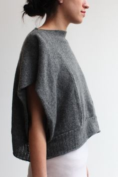 cropped boatneck -grey sweat shirt