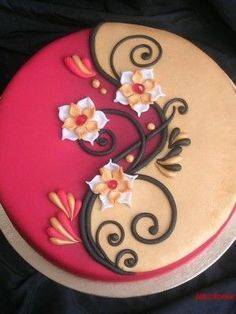 Red and Gold cake with mini daffodils Gorgeous Cakes, Pretty Cakes, Amazing Cakes, Cake Decorating Tips, Cookie Decorating, Fondant Cakes, Cupcake Cakes, Bolo Diy, Decoration Patisserie