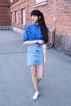 12 Denim Skirt Outfit Ideas to Try This Spring