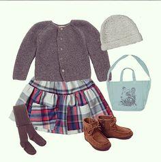 Look Lanolino www.etsy.com/shop/lanolino Little girl outfit Skirt and beanie #lanolino Tights and bag #bonton  Shoes #ugg  Cardigan #noro  #kidslooks #kidswear #ropaparaniños #lookoftheday #knitting #etsy #handmade #kidstyle #fashionkids #modainfantil #babyboutiques