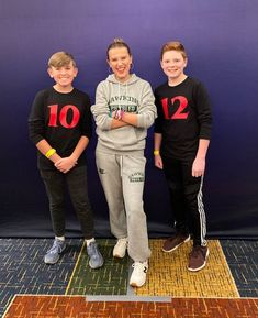 So funny 😂💜 Watch Stranger Things, Stranger Things Have Happened, Stranger Things Season 3, Stranger Things Netflix, Millie Bobby Brown, Best Shows On Netflix, Don T Lie, It Movie Cast, Actors & Actresses