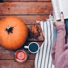autumn, fall, and pumpkin εικόνα Autumn Morning, Autumn Cozy, Autumn Fall, Autumn Feeling, Autumn Tea, Summer Fall, Fall Harvest, Fall Inspiration, Autumn Aesthetic